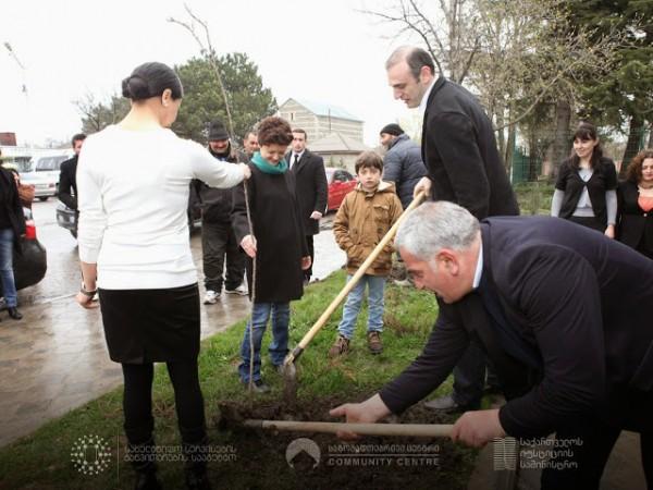 საზოგადოებრივი ცენტრების გამწვანების აქცია – კიდევ ერთი ინიციატივა სოფლის მცხოვრებთათვის