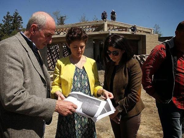 იუსტიციის მინისტრმა ნატანებში საზოგადოებრივი ცენტრის მშენებლობა დაათვალიერა
