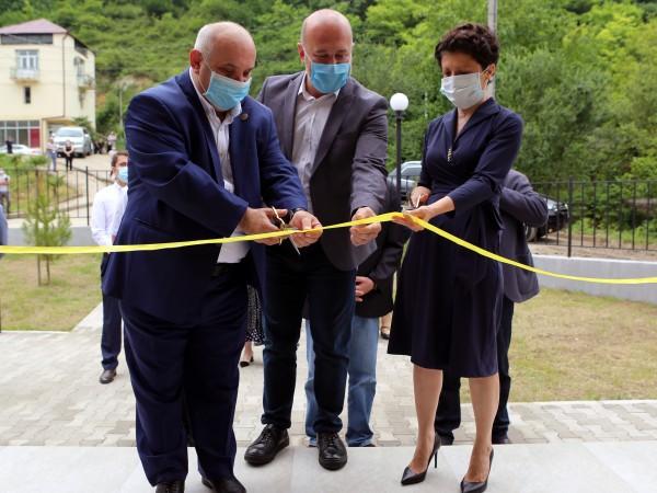 იუსტიციის მინისტრმა ხარაგაულში საზოგადოებრივი ცენტრი გახსნა